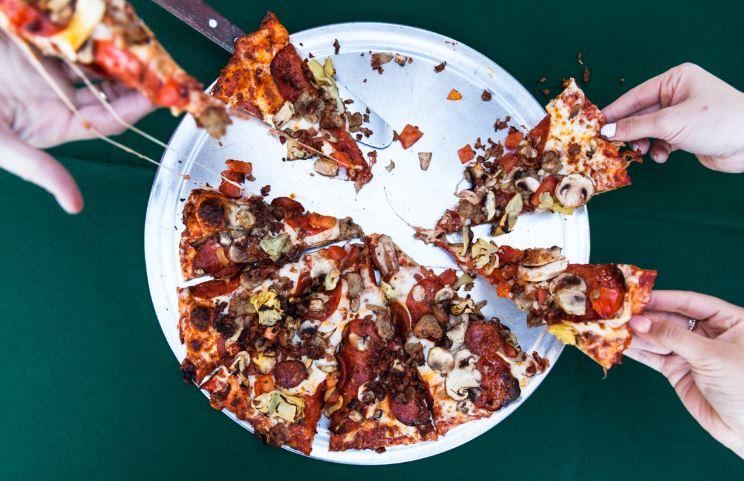 Roundtablepizzalistens